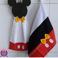 Disney Diy, Disney Crafts, Mickey Craft, Dish Towel Crafts, Crochet Towel Topper, Sewing Crafts, Sewing Projects, Towel Animals, Bedroom Crafts