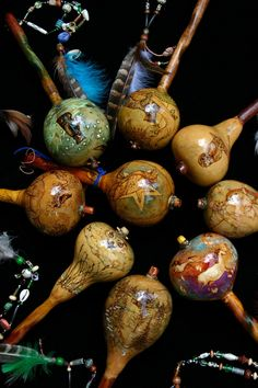 A collection of modern Shaman gourd rattles. Arts And Crafts, Diy Crafts, Gourd Crafts, Vases, Decorative Gourds, Deco Nature, Native American Crafts, Painted Gourds, Gourd Art