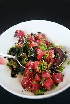 lb sashimi grade tuna cubed 4 green onions minced cup rehydrated seaweed toasted sesame seeds soy sauce sesame oil tsp sugar Murray River pink flack sea salt Toss everything together except the salt. Sprinkle salt over the poke and serve with rice. Fish Recipes, Seafood Recipes, Asian Recipes, Cooking Recipes, Healthy Recipes, Fresh Tuna Recipes, I Love Food, Good Food, Yummy Food