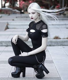 Model: Anastasia EG Welcome to Gothic and Amazing. - Gothic and Amazing Cyberpunk Mode, Cyberpunk Fashion, Dark Fashion, Gothic Fashion, Darkness Girl, Hot Goth Girls, Gothic Mode, Goth Look, Halloween Wigs