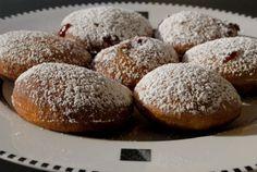 Sufganiyot (jelly filled doughnuts) traditionally eaten during Hanukkah Jewish Hanukkah, Kosher Recipes, Doughnuts, Winter Holidays, Holiday Fun, Jelly, Dairy Free, Fries, Treats
