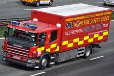 Hertfordshire Fire and Rescue Scania P94D EU55 PFZ