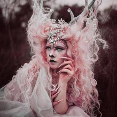 Wearable Art Fantasy Costumes Headdress Artist Rachel Sigmon designs works of wearable art. Specializing in headdress design, she creates elaborate fantasy costumes.