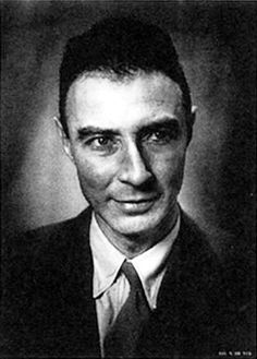 Robert Oppenheimer - Los Alamos portrait - The Manhattan Project First Atomic Bomb, University Of Rochester, Manhattan Project, Weapon Of Mass Destruction, Destroyer Of Worlds, Personal History, People Laughing, Physicist, Man Humor