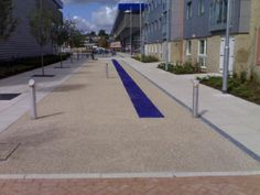 Resin bonded driveways are becoming increasingly popular as public awareness increases and prices come down. A resin bonded driveway is a driveway laid using a technique that bonds resin to decorative aggregate.