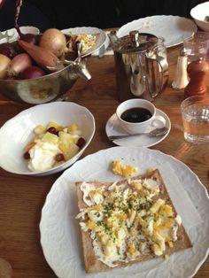 Swedish breakfast with egg @ Nybrogatan 48 - Henrietta Fromholtz