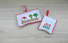 Hand embroidered Lavender sachets farm house red by prosinemi, €12.00