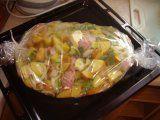 Selské brambory v pečící fólii | Mimibazar.cz Ham, Potato Salad, Potatoes, Cooking Recipes, Chicken, Ethnic Recipes, Food, Recipies, Hams