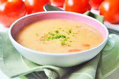 Besonders in der Fastenzeit ein ideales Rezept - die Fastensuppe, verfeinert mit frischen Tomaten.