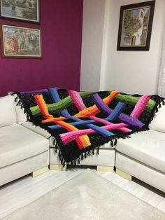 No pattern but this should be easy enough to recreate from the picture. Chevron Crochet Patterns, Crochet Blanket Patterns, Crochet Designs, Striped Crochet Blanket, Black Blanket, Rainbow Crochet, Granny Square Blanket, Manta Crochet, Beautiful Crochet