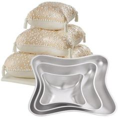 New Wilton 3 Tiered Pillow Wedding Cake Pan Set 4 Piece Pillow Wedding Cakes, Pillow Cakes, Pillows, Wilton, Crown Cake, Unique Cakes, Pan Set, Baking Supplies, Cake Tins