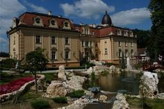 A titokzatos Szapáry-kastély Ancient Architecture, Budapest Hungary, Homeland, Palace, Places To Go, Beautiful Places, Castle, Adventure, Mansions