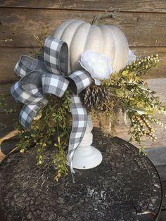 Pumpkin Centerpieces, Vase Centerpieces, Fall Floral Arrangements, Plaid Decor, Fall Pumpkins, Creative Crafts, Buffalo Plaid, Boards, Autumn