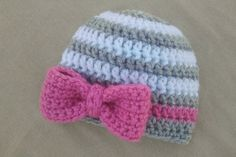 Crochet Patterns Girl Newborn Hat with Bow Newborn Photo Prop Hat by UnravelledThredz Crochet Girls, Crochet Baby Hats, Crochet Beanie, Baby Knitting, Knit Crochet, Newborn Girl Crochet Hat, Knitting Needles, Baby Girl Hats, Girl With Hat