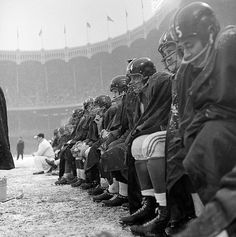 Giants 13, Browns 10  Yankees Stadium, Dec. 14, 1958  Like cold, weary travelers stranded at a bus stop, the Giants cling to the bench and wait for the chance to get back into action.
