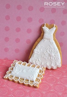 Brush Embroidery Wedding Dress & lacy plaque by rosey sugar, via Flickr