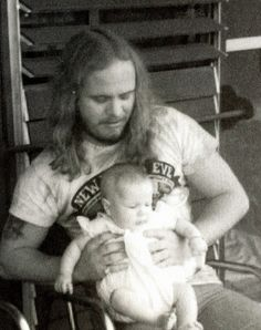Ronnie, Melody Rock And Roll Bands, Rock Bands, Rock N Roll, Music Pics, My Music, Kids R Us, Allen Collins, Ronnie Van Zant, Southern Men