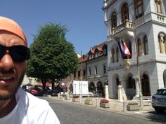 Now we are in Novo Mesto for our siesta... The temperature today is awful, about 38 'C in the shade. This afternoon we are going to Doleniske  Toplice!!! We know three words of Slovenian dictionary Sdravo = Hello; Hvala = Thanks and Toplice = Spa...
