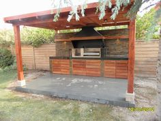 PERGOLAS Y QUINCHOS Outdoor Kitchen Patio, Outdoor Kitchen Design, Outdoor Spaces, Outdoor Living, Outdoor Decor, House Without Walls, Parrilla Exterior, Fire Pit Grill, Backyard Fireplace