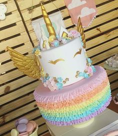super cute unicorn cake for a girly girl not a tom boy Unicorne Cake, Cupcake Cakes, Unicorn Themed Birthday, Birthday Cake, 5th Birthday, Unicorn Foods, Unicorn Baby Shower, Unicorn Birthday Parties, Birthday Ideas