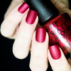 OPI - 'Red Fingers & Mistletoes' & OPI Matte Top Coat