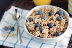 Low Carb Oatmeal Substitutes: The Best Keto Oatmeal Alternatives The Oatmeal, Low Carb Oatmeal, Oatmeal Flour, Oatmeal Diet, Cinnamon Oatmeal, Blueberry Oatmeal, Healthy Soup Recipes, Healthy Snacks, Healthy Eating