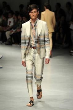 Vivienne Westwood Men's Spring 2014 RTW is inspired by India. Who's ready for a vacation?