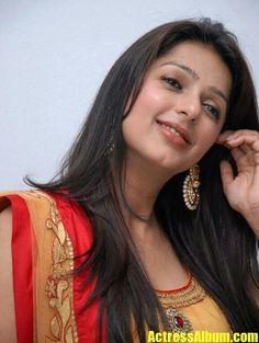 bhumika chawla gorgeous at april fool audio Beautiful Lips, Beautiful People, Beautiful Women, South Indian Actress, India Beauty, Beautiful Actresses, Indian Actresses, Beauty Women, Bhoomika Chawla