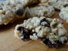 Chewy Oatmeal Chocolate Chip Cookie Recipe -- Made these. Love them. Plus, it's oatmeal so you can have them for breakfast :D.