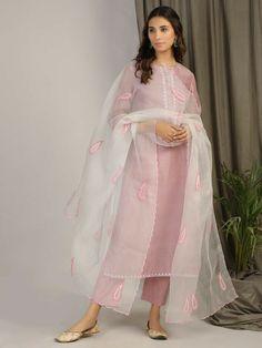 All Dupattas - Dupattas - Clothing Simple Kurti Designs, Stylish Dress Designs, Kurta Designs Women, Stylish Dresses, Suits Harvey, Men's Suits, Dress Indian Style, Indian Dresses, Indian Outfits