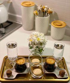 Coffee Tray, Coffee Bar Home, Food Decoration, Table Decorations, Coffee Presentation, Small House Interior Design, Turkish Tea, Pantry Design, Arabic Food