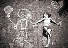 Cuando soñamos solos, sólo es un sueño, pero cuando soñamos juntos, el sueño se puede convertir en realidad - Cora Weiss  y siempre...... #unaactitudpositiva  via @Eva Collado Duran