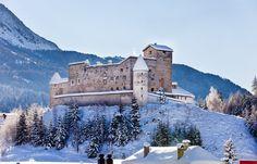 Schloss Nauders in Tyrol, Austria jaar 2015 op onze rondreis door oostenrijk en italie , 1e stop