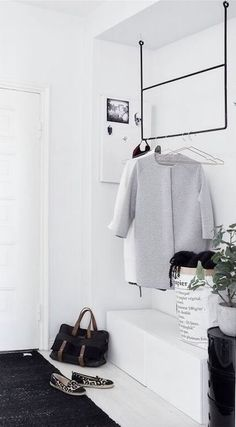 Love the hanging frame very cool