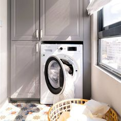 Beneficios de poner pimienta negra en la lavadora Home Appliances, Stacked Washer Dryer, Home, Washer, Washer And Dryer, Made To Measure Furniture, Laundry, Dryer, Laundry Room