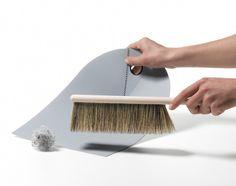 Zmiotka Dustpan & broom - Normann Copenhagen - Dust pan and broom. Hands on Norman Copenhagen, Copenhagen Design, Dustpans And Brushes, Sweep The Floor, Scandinavia Design, Daily Cleaning, Aesthetic Design, Scandinavian Living, Cool Kitchens