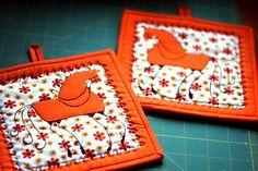 Птички повторились .  Такие вот оранжевые в холодные зимние денечки. И чтобы не скучно было в сотый раз  их шить, нащелкала фоток , поша...