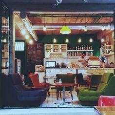 Kafe Kozmetičar, Belgrade - coffee place nspired by 70' design & art of living.