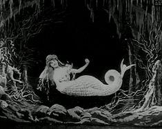 Mermaid kisses from La Sirène, a 1904 Méliès film. Hugo Cabret, Mermaid Kisses, Silent Film Stars, Mermaids And Mermen, Colour Pallette, Film Stills, Nymph, Tumblr, Fairies