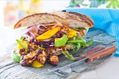 «Pulled chicken» Pulled Chicken, Pulled Pork, Salmon Burgers, Chili, Sandwiches, Bbq, Mango, Ethnic Recipes, Food
