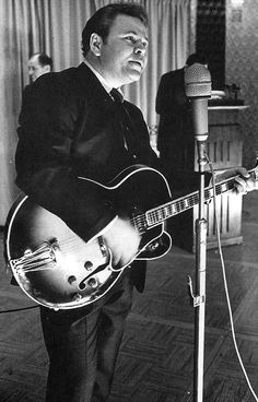 Roy Clark-One of the greatest pickers of the 20th century!