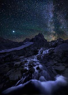 Great Beyond, photo by Marc Adamus of the night sky over Grand Teton National Park, Wyoming. from www.earthshots.org - Pixdaus