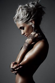 Terry Schiefer - dunno if it's henna or ink. Looks a bit sus but she's fuckin' hot so she gets a guernsey. Apologies to the true believers.
