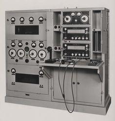 Complete communication equipment type 4-LE-93, 1945. IET Archives NAEST 211/02/12/02 D.4152