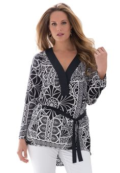 A polished popover long sleeve plus size top that pairs perfectly with all your fall bottoms.