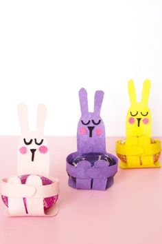 Easter is just around the corner! If you're looking for fun and entertaining festive ideas, check out our selection of Easter crafts for kids and parents. Easter Card, Easter Bunny, Easter Eggs, Easter Projects, Easter Crafts For Kids, Felt Bunny, Crafts For Seniors, School Craft, Bunny Crafts