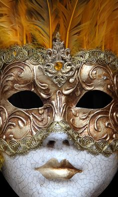 Modeling for mask Ombre Human Hair Extensions, Cat Nail Art, Carnival Decorations, Venetian Carnival Masks, Creepy, Venice Mask, Venetian Masquerade Masks, Masks Art, Beautiful Mask
