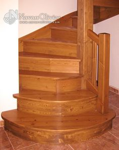 Début de l'espace escaliers.