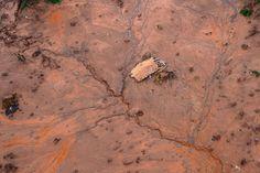 Dreizehn Menschen verloren ihr Leben, als eine geschätzt 20 Meter hohe Schlammlawine über das Dorf hinwegwalzte