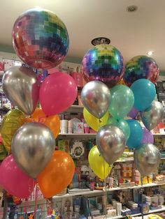 Wine Glass, Christmas Bulbs, Balloons, Holiday Decor, Tableware, Home Decor, Globes, Dinnerware, Decoration Home